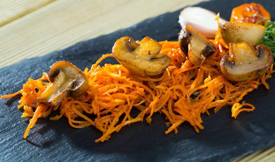 Carotte râpée aux champignons ... Et chorizo !